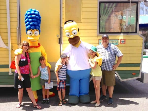 family_travel_enjoying_benefits_universalstudios