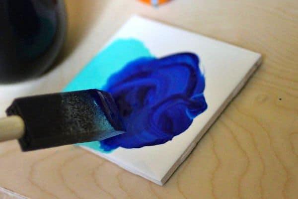 DIY_saranwrap_painted_coasters_mixingpaint