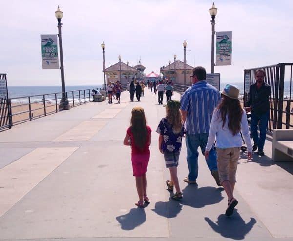 familytravel_huntingtonbeach_shorebreakhotel_pier