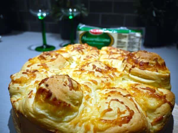 Saputo Mozzarellissima Cheese Bun Close Up