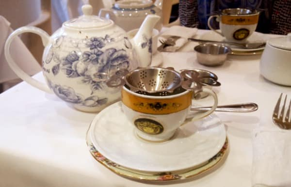 Family-Travel-Windsor-Arms-Hotel-Tea-Setting