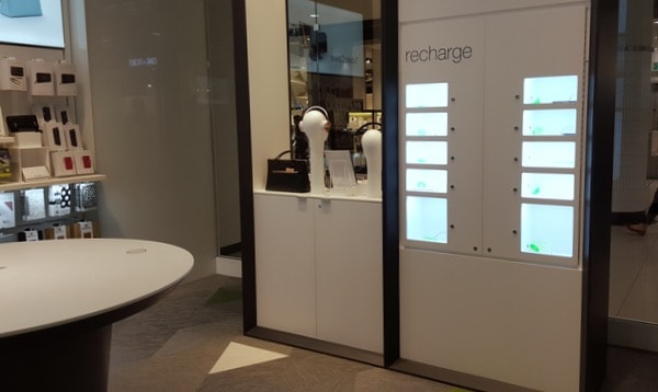TELUS-concept-store-charging-station
