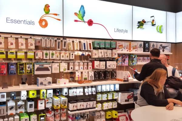 TELUS-store-lifestyle-products