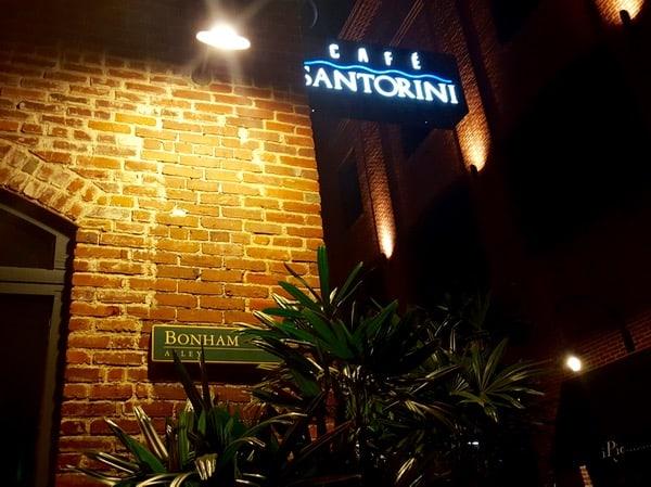 Family-Travel-Pasadena-California-Cafe-Santorini-Sign