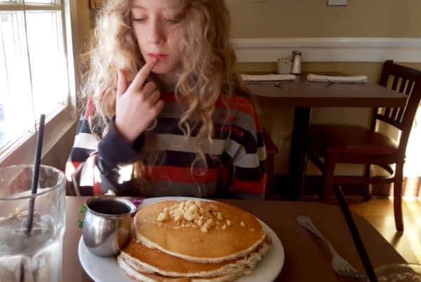 Family-Travel-Pasadena-California-Dining-Marstons-Pancakes