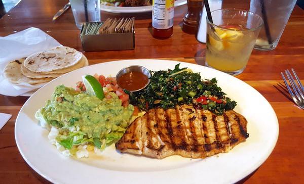 Family-Travel-Pasadena-California-La-Orange-Cafe-Taco-Platter