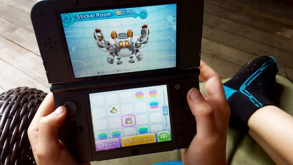 Family-Game-Time-Nintendo-Kirby-Planet-Robobot-Review-Stickers