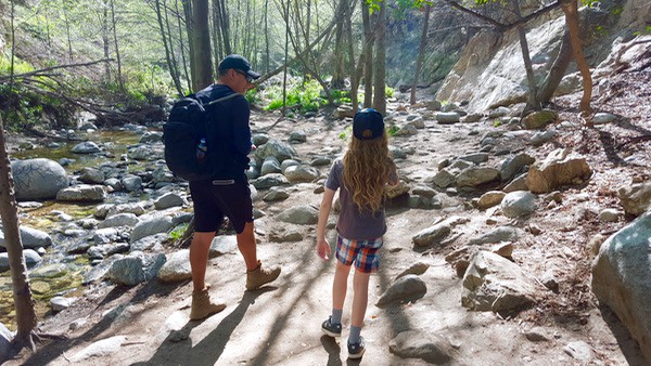Family-Travel-Pasadena-Day-Trip-Eaton-Canyon-Hike