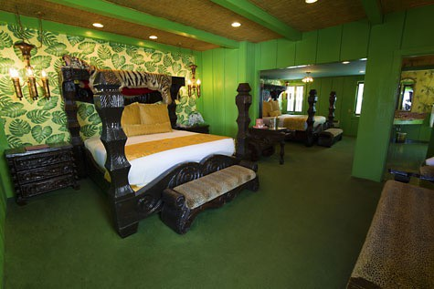 Family-Travel-California-Madonna-Inn-Safari-Room