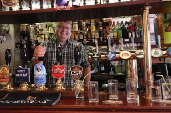 everythingmom family travel london easet end food tour spitalfields pub husband bar