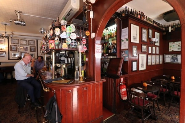 everythingmom family travel london easet end food tour spitalfields pub interior