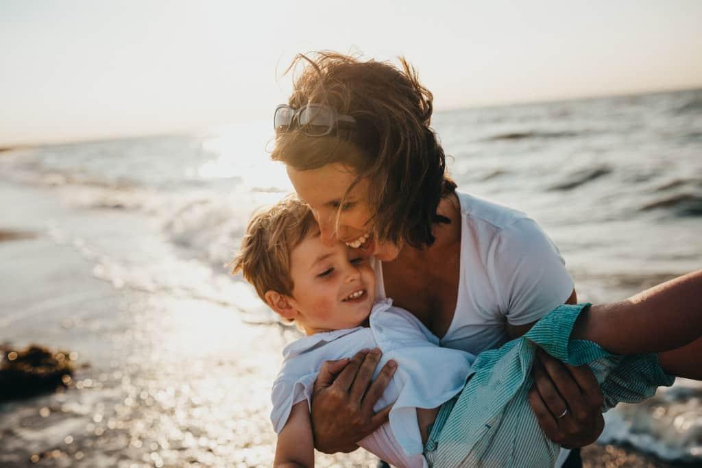 super mum and son date зурган илэрцүүд